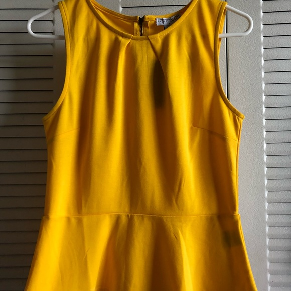 From China Outlet Enjoy Sleeveless Top - Yellow Sulphur by VIDA VIDA Sast Cheap Price Orange 100% Original usUXpsAdm